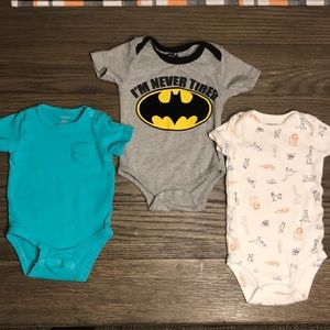 💙Assorted Infant Onesies: 6Mo - 3 Pack 💙